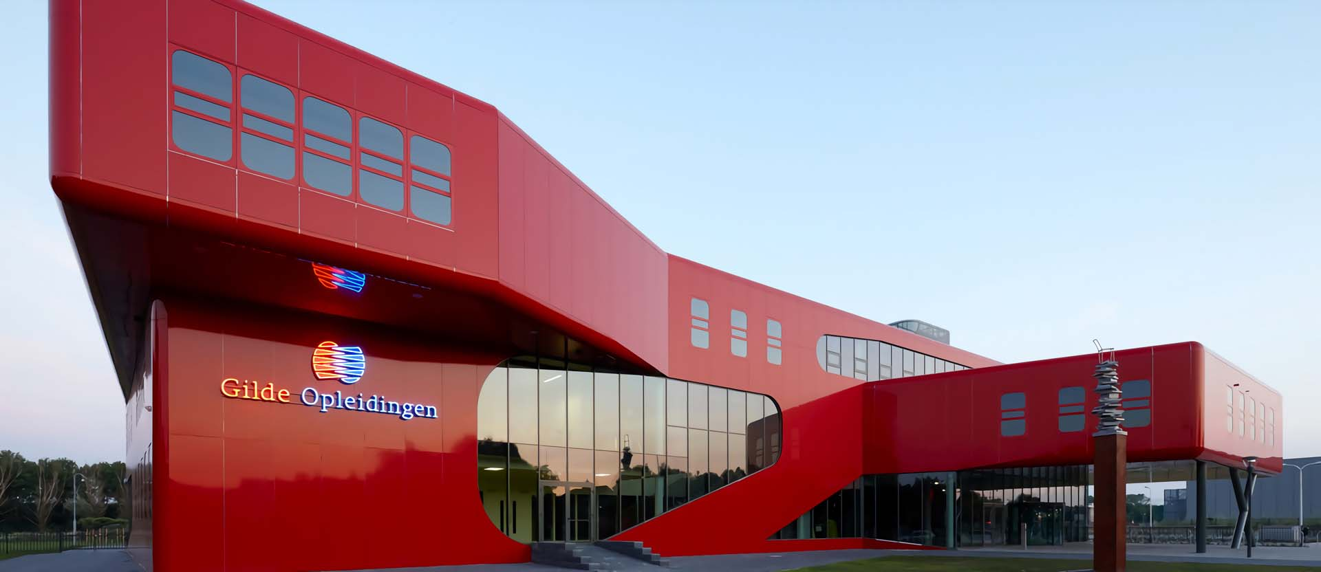 red aluminum composite cladding